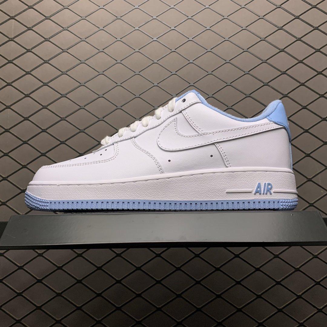 รองเท้าคัชชู Nike Air Force 1'07 รองเท้าผู้ชาย รองเท้าผู้หญิง รองเท้าลำลองผู้หญิง