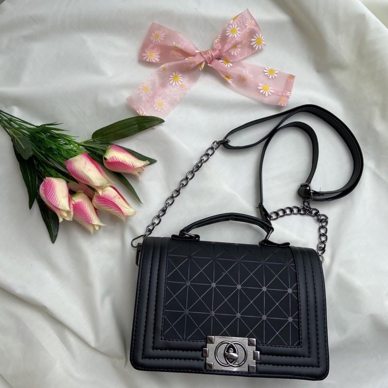 ✨พร้อมส่ง✨ กระเป๋าสะพายข้าง ทรง Chanel Boy 🖤