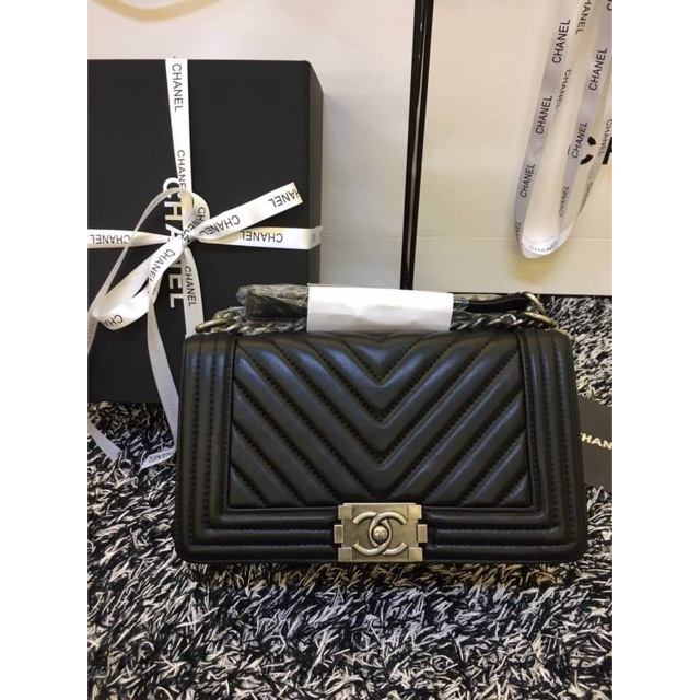 chanel boy chevron