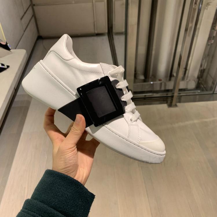 รองเท้าคัทชูผู้หญิงรองเท้าลำลอง เว็บไซต์อย่างเป็นทางการของแท้RVรองเท้าคัชชูสีขาวRVหัวเข็มขัดตารางรองเท้ากีฬาด้านล่างแบนเ