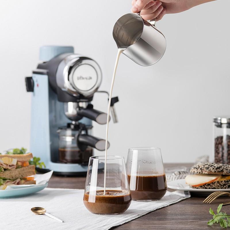 เครื่องชงกาแฟ Bear ในครัวเรือนขนาดเล็กและกึ่งอัตโนมัติเครื่องทำฟองนมไอน้ำขนาดเล็กของอิตาลีแบบบูรณาการเครื่องชงกาแฟ