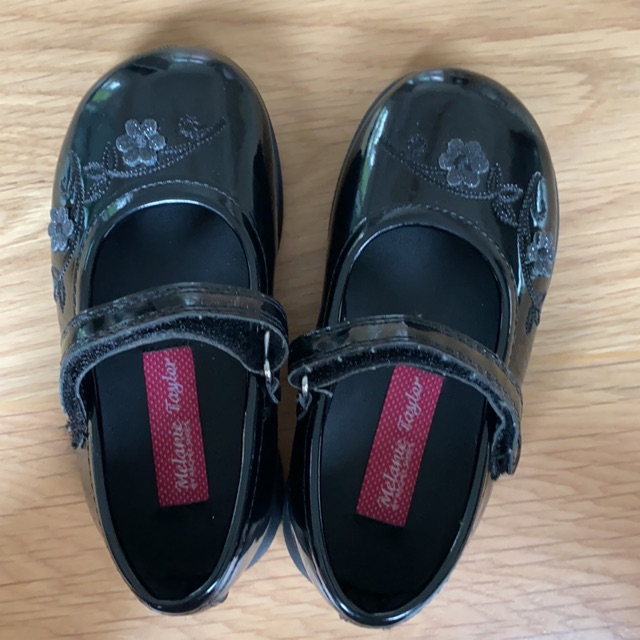 รองเท้าคัชชูเด็กเล็ก