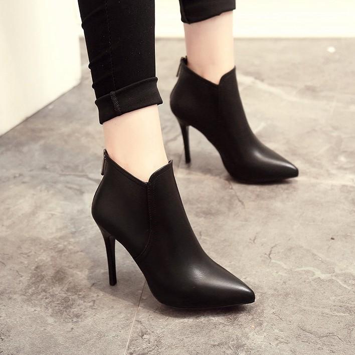 รองเท้าส้นสูง หัวแหลม ส้นเข็ม ใส่สบาย New Fshion รองเท้าคัชชูหัวแหลม  รองเท้าแฟชั่นรองเท้าบูทสั้นผู้หญิงฤดูใบไม้ร่วงและฤ