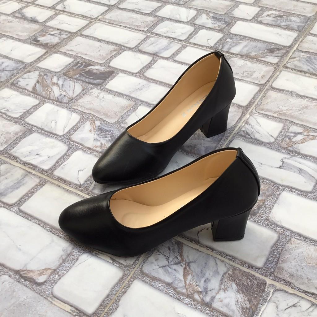 D3 รองเท้าคัทชูผู้หญิง Swim หนังนิ่ม ส้นสูง 2 นิ้ว.