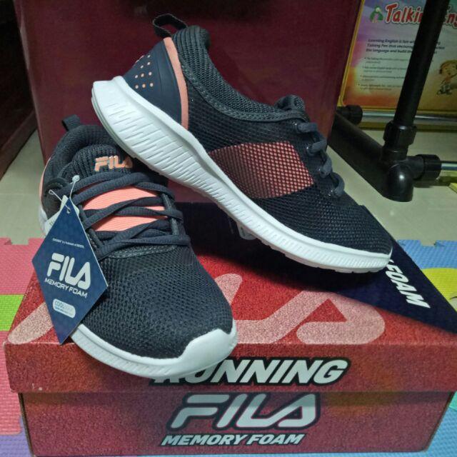 รองเท้าสำหรับวิ่ง Fila