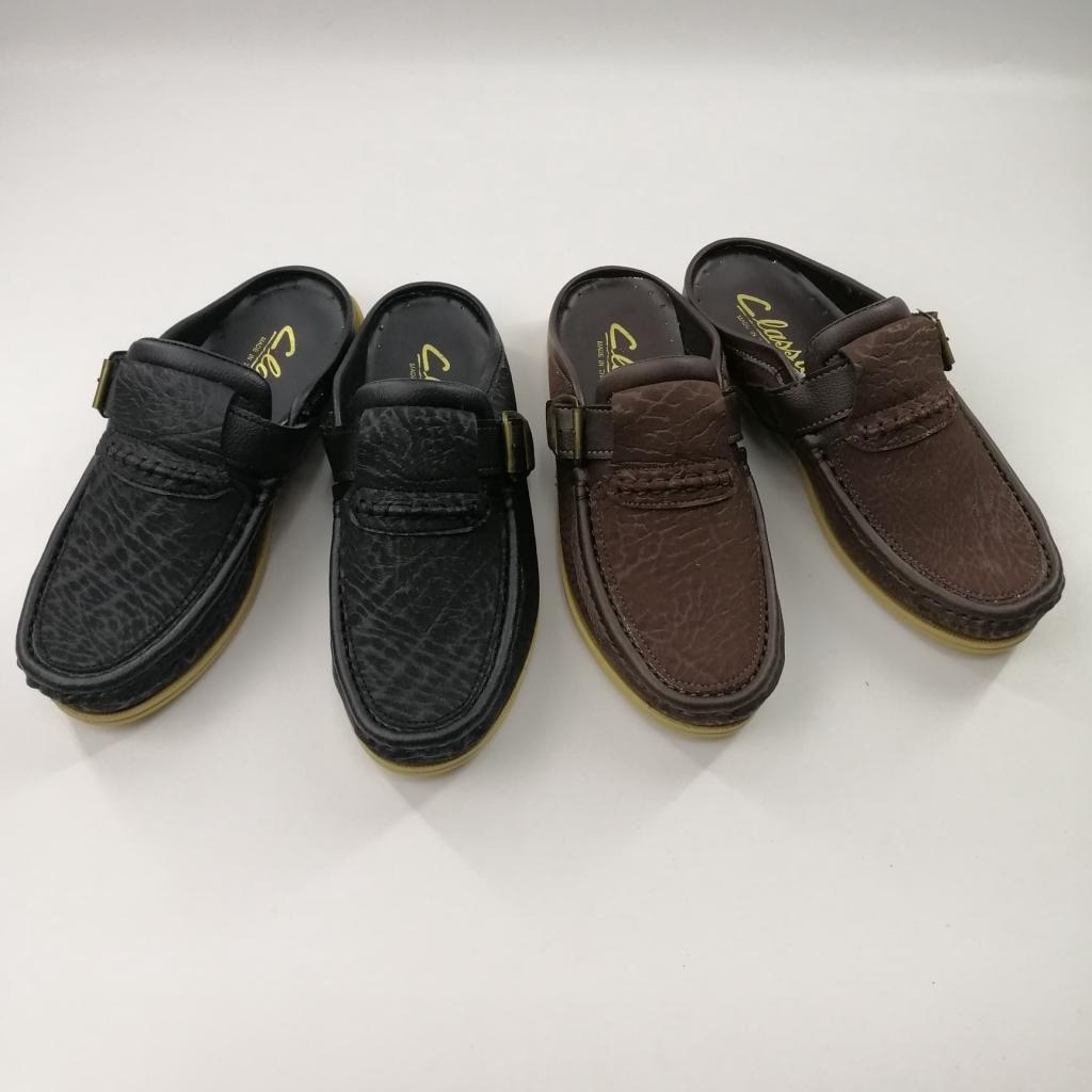 (เปิดส้น) Classic รองเท้าหนังคัชชูผู้ชาย แบบเปิดส้น สีดำ/น้ำตาล Size 38-45 รุ่น 425-1