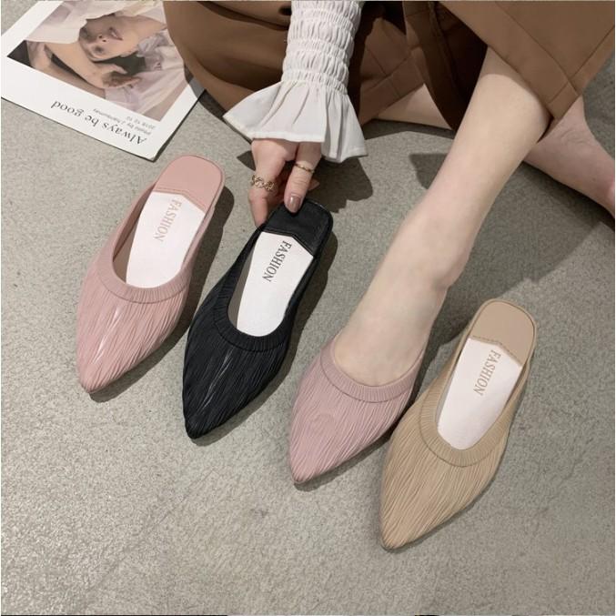 22 รองเท้าพร้อมส่ง รองเท้าคัชชู รองเท้าแฟชั่น รองเท้าผู้หญิง รองเท้าส้นแบนเปิดส้น รองเท้าหัวแหลม รองเท้ายาง