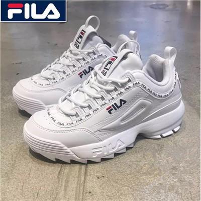 Fila Disruptor II รุ่นที่ 2 ใช้แพลตฟอร์มรองเท้าวิ่งขนาดใหญ่สีขาว