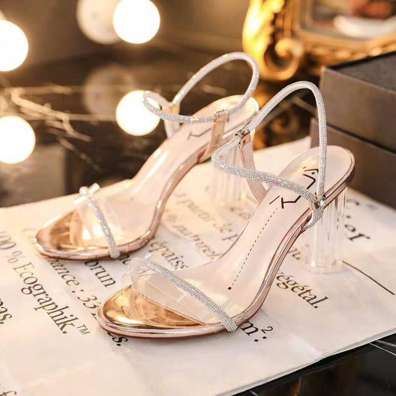 รองเท้าส้นสูง หัวแหลม ส้นเข็ม ใส่สบาย New Fshion รองเท้าคัชชูหัวแหลม  รองเท้าแฟชั่นคริสตัลเพชรรองเท้าแตะผู้หญิงสวมใส่รอง