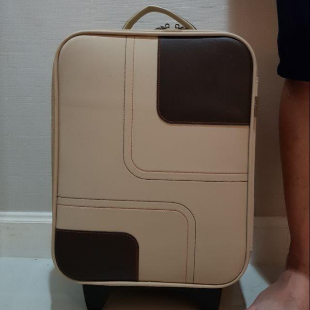 """กระเป๋าเดินทางล้อลากสไตล์วินเทจ ขนาด 18"""" สีทูโทน (เบจ+น้ำตาล)"""