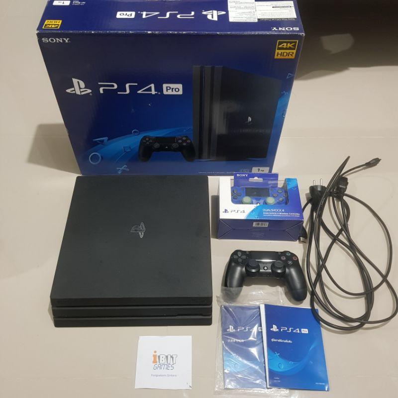 PS4 Pro 1TB CUH-7106B 2จอย มือสอง