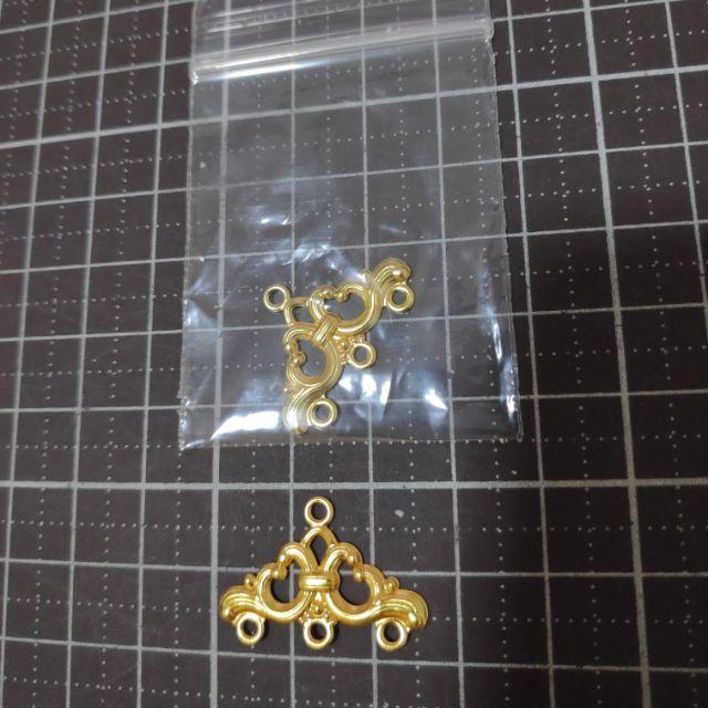 115LHแผ่นโลหะเล็กฉลุทอง 1ชิ้น ราคา 5 บาท