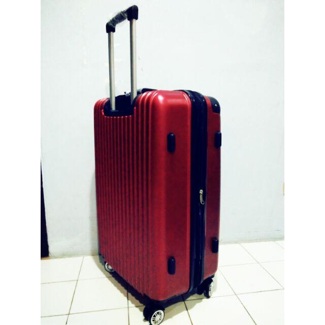 กระเป๋าเดินทางล้อลากคุณภาพดี. ขายถูก