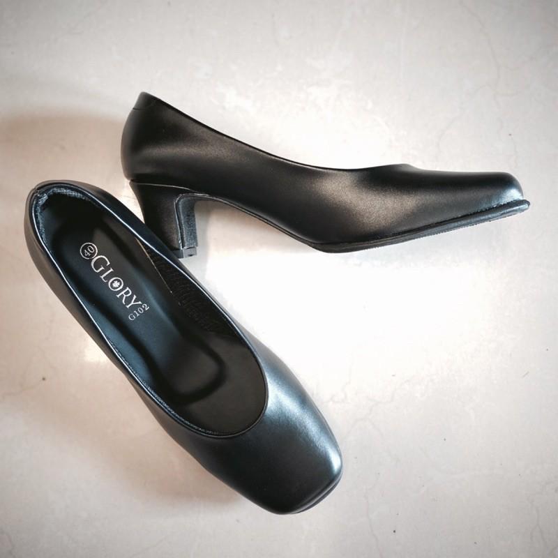 รองเท้าคัชชูรับปริญญาผู้หญิง รุ่น G102 สีดำ