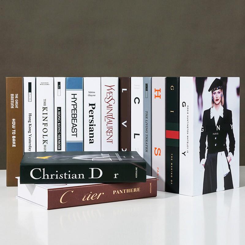 ของตกแต่งบ้านModern imitation fashion books decoration creative decoration Books Cafe Luxury Decoration Hotel Imitation
