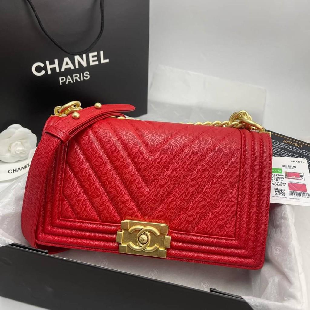 Chanel boy chevron สีแดงสด อะไหล่ทอง Grade vip Size 25cm  อปก. fullboxset