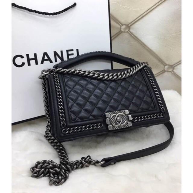 Chanel boy Hiend size 10