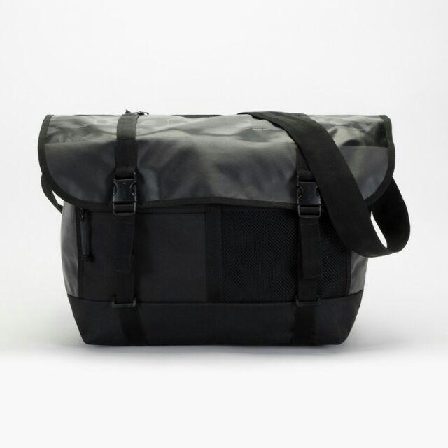 กระเป๋าเดินทางใบเล็ก M Tarp Superdry