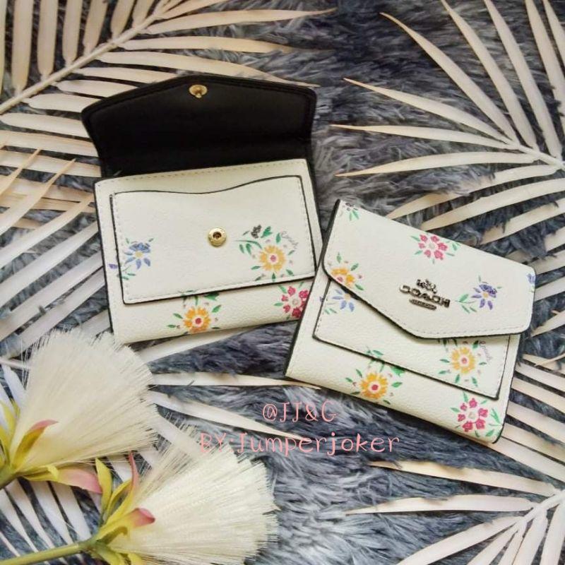 🔻กระเป๋าสตางค์ กระเป๋าเงินใบสั้น Coach ลายดอกเดซี่ิ สินค้าพร้อมส่ง!!🔻