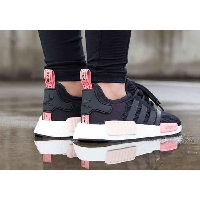 check out 1dae1 8bfd9 ราคาดีที่สุด Adidas Originals Boost NMD_R1 W ผงสีดำ S75234 ...