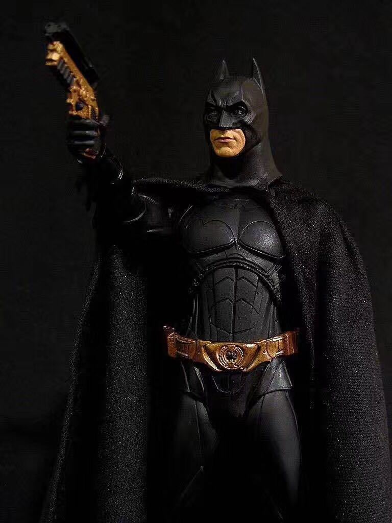 NECA Batman Action Figure Beg Bruce Wayne  Collectible Model Toy 18cm