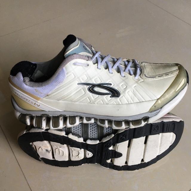 รองเท้า Prospecs แบรนด์แท้มือสอง ไซส์ 39