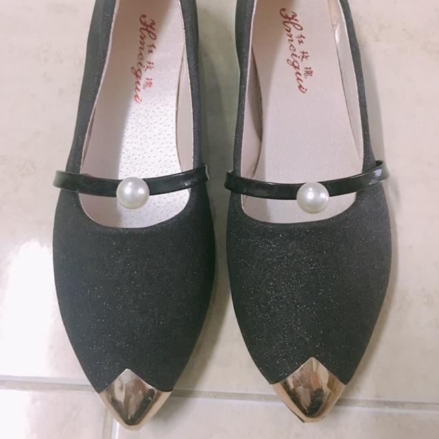รองเท้าคัชชู สีดำวิ้งๆ