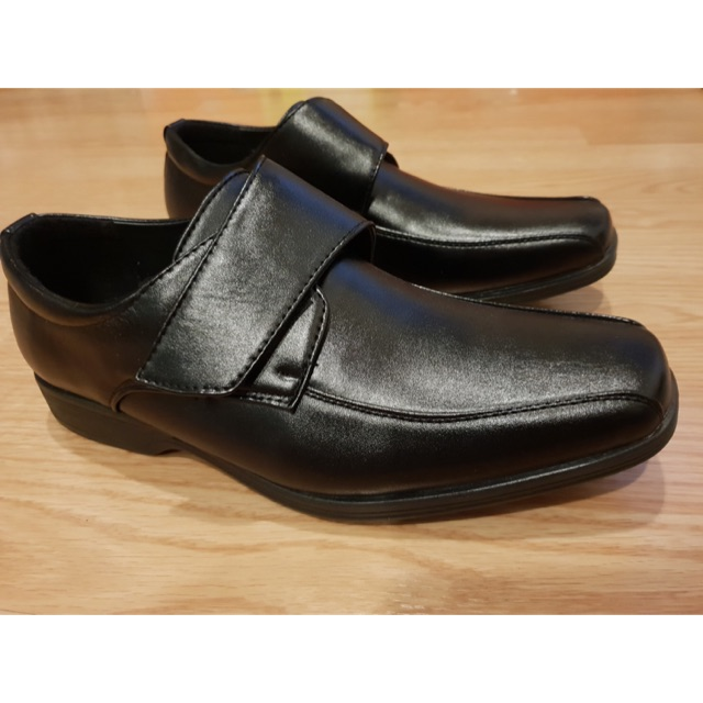 รองเท้าคัชชูหนังดำ ผู้ชาย แบบแปะ