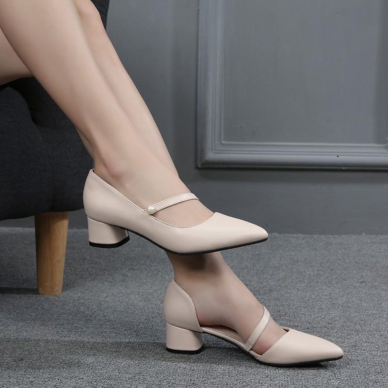 รองเท้าคัชชู หัวแหลม แต่งสายเข็มขัด สำหรับผู้หญิง