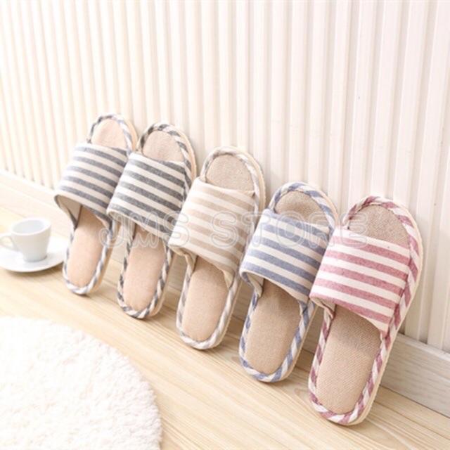 รองเท้าใส่ในบ้าน ลายขีด ใส่ในออฟฟิศ (เพิ่ม1ไซส์จากปกติ) พื้นมีกันลื่น สไตล์ญี่ปุ่น.