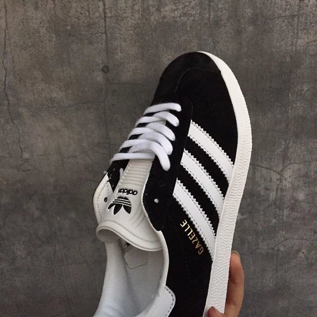 pretty nice 96bc1 243bc ... Adidas GAZELLE Black major Gold Mark ...
