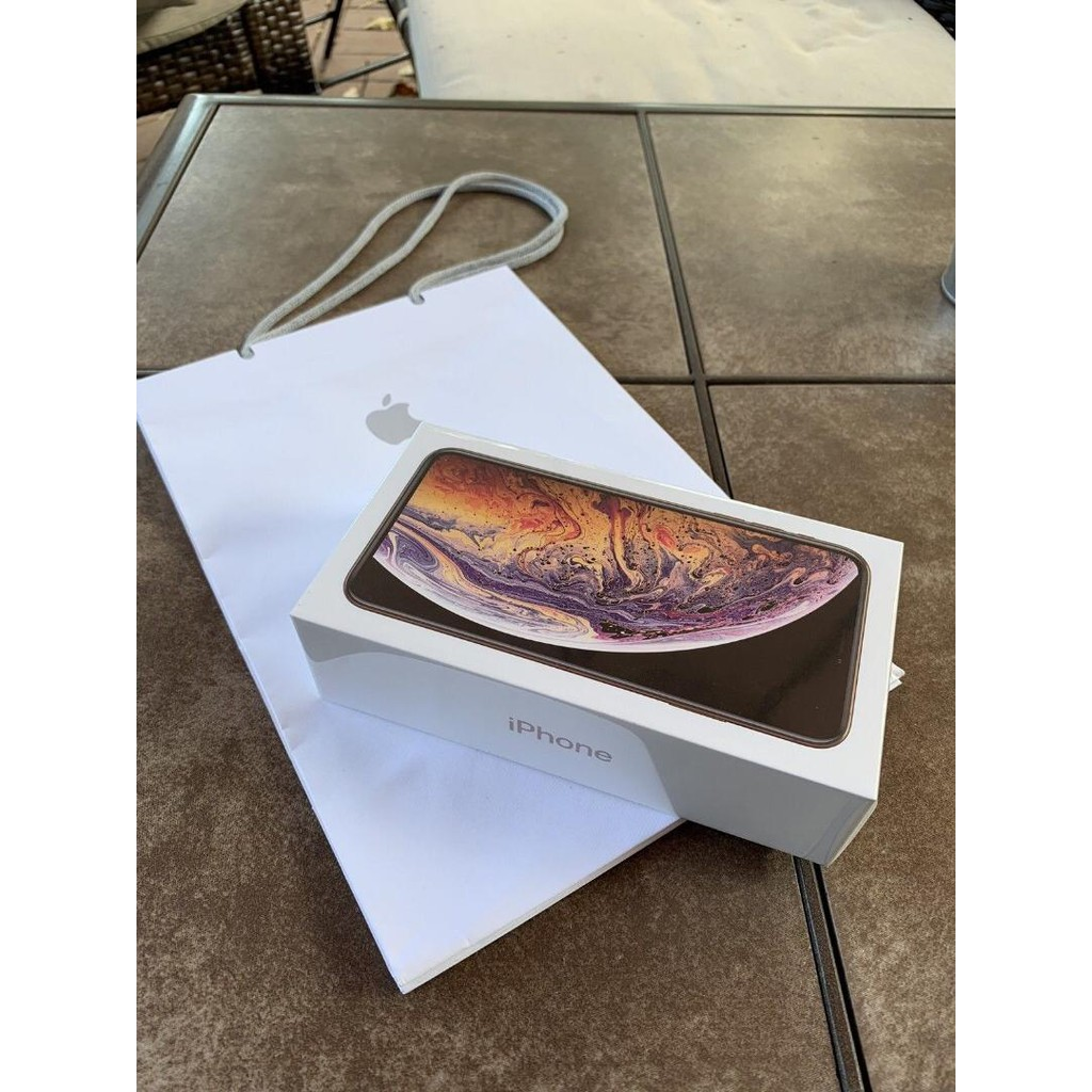 Brand New Apple iPhone Xs Max 256GB GOLD