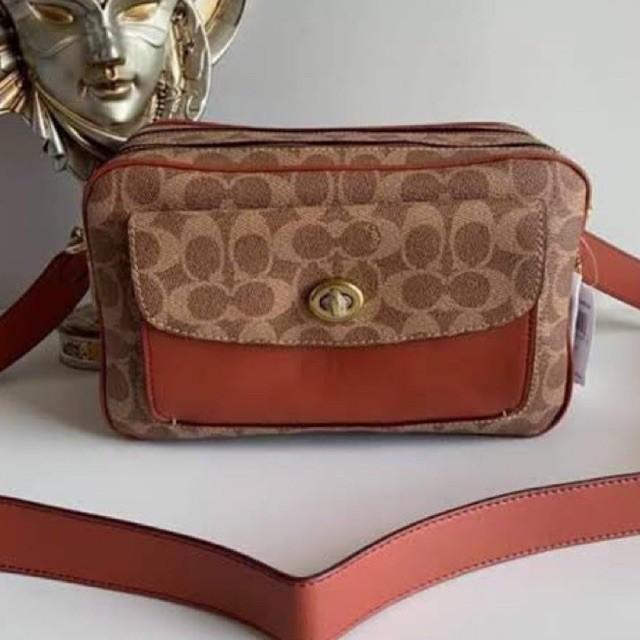 (ผ่อน0%) กระเป๋าสะพายข้าง COACH 640 Cassie Camera Bag In Signature Canvas งานshop ลายซี สีน้ำตาล
