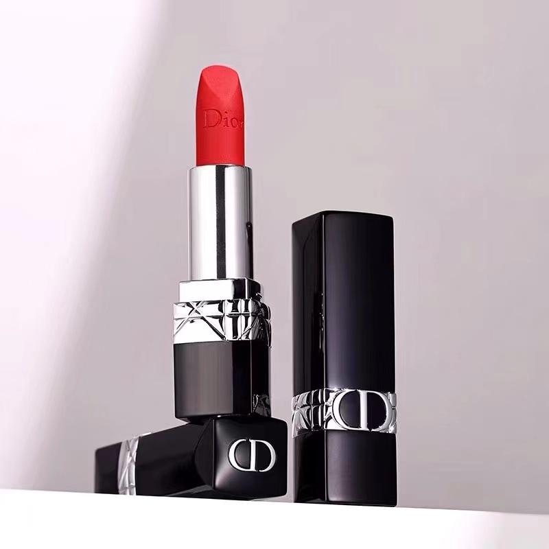 ✗♝[ผลิตภัณฑ์ใหม่] Dior Lipstick Gift 999 moisturizing matte red 888/520 lipstick gift box set เคาน์เตอร์ big-name แท้ [จ
