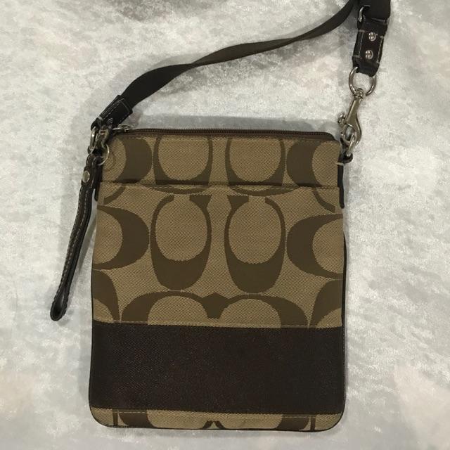 Coach crossbody bag กระเป๋าสะพายข้าง ลายซีใหญ่ ของแท้(มือสอง)