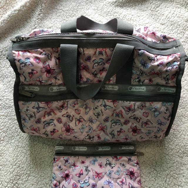 กระเป๋าเดินทาง lesportsac
