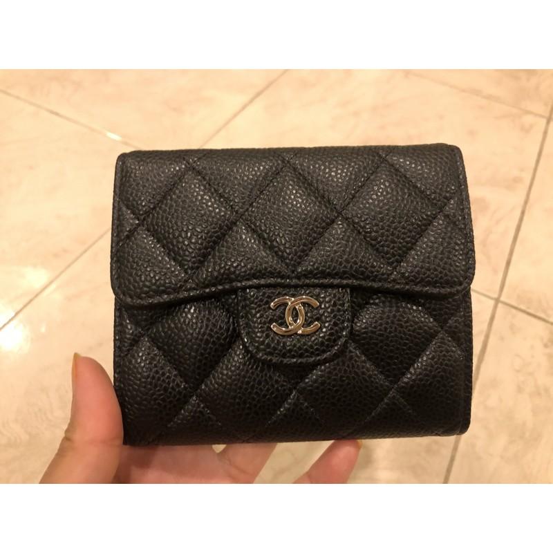 กระเป๋าสตางค์ใบสั้น chanel classic small wallet มือสองสภาพสวยงามค่ะ