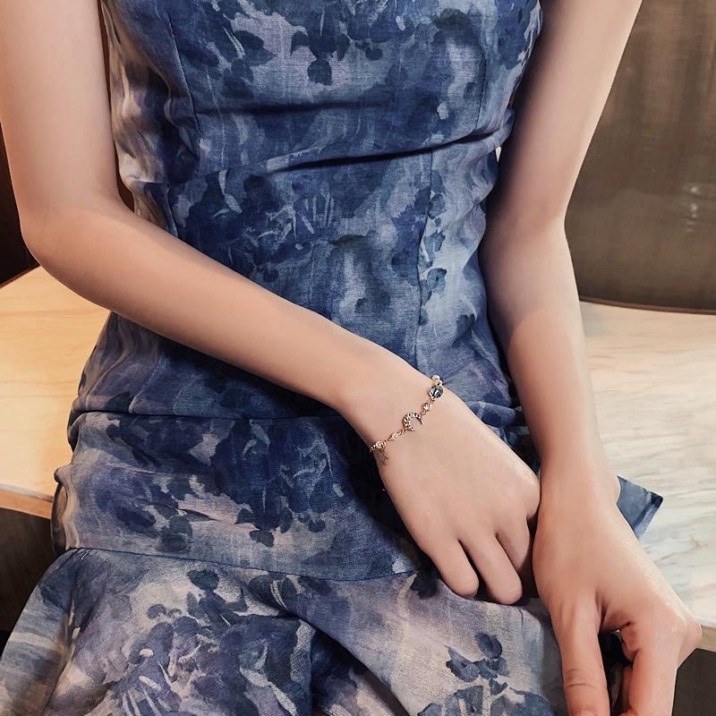 สร้อยข้อมือ ประดับจี้ดาว ดวงจันทร์ สไตล์เกาหลี สำหรับผู้หญิง
