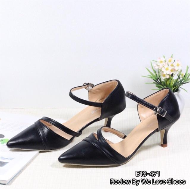 รองเท้าคัชชูรัดส้น สีดำ