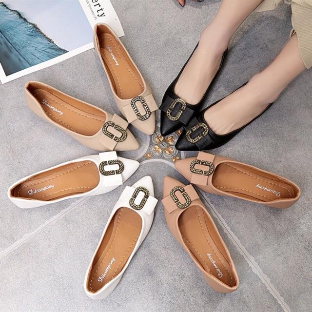 รองเท้าคัชชู รองเท้าส้นแบน❣️รองเท้าหัวแหลม❣️รองเท้าส้นแบน รองเท้าลำลอง รองเท้าแฟชั่นของผู้หญิง  หัวแหลม ประดับด้วยโลหะ ท