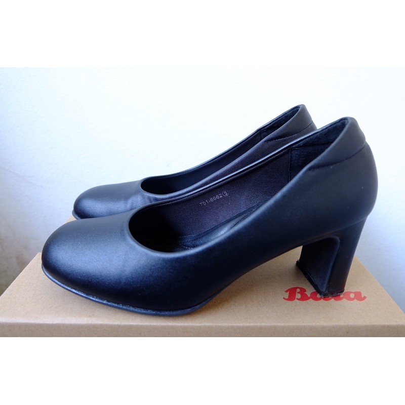 รองเท้า bata คัชชู สีดำ