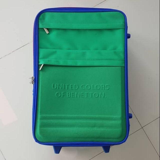 กระเป๋าเดินทางล้อลาก Benetton