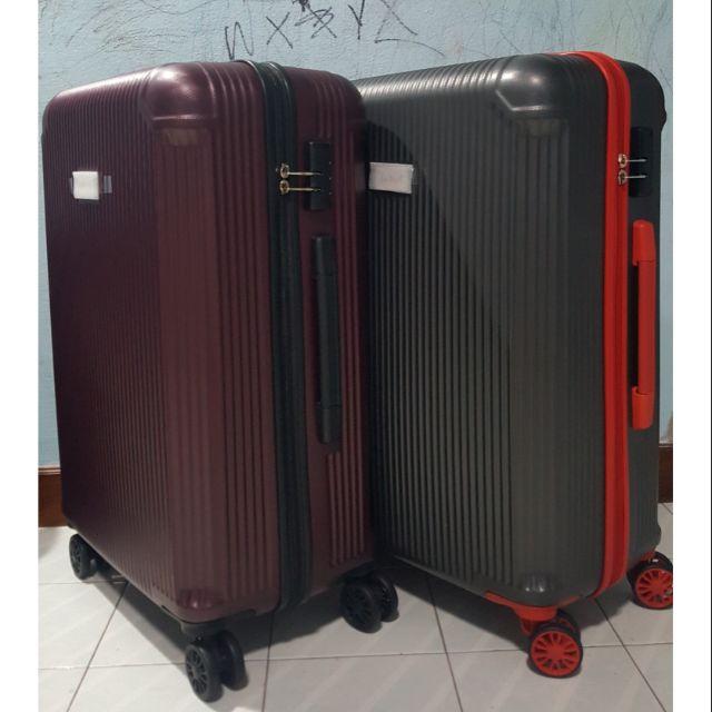 กระเป๋าเดินทางล้อลาก 24 นิ้ว ราคาต่ำกว่าทุน