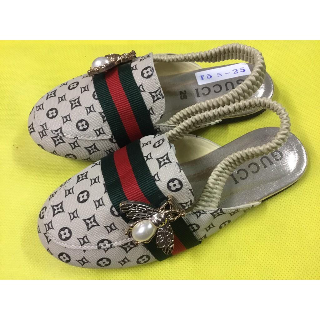คัชชู~ รองเท้าแตะเด็กผู้หญิงรัดส้น ลายVV ผึ้ง รองเท้าแตะเด็กผู้หญิงยางยืดรัดส้น