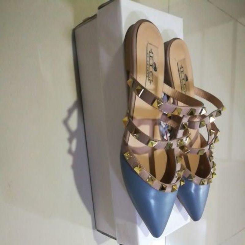 รองเท้าคัชชูผู้หญิงหัวแหลม