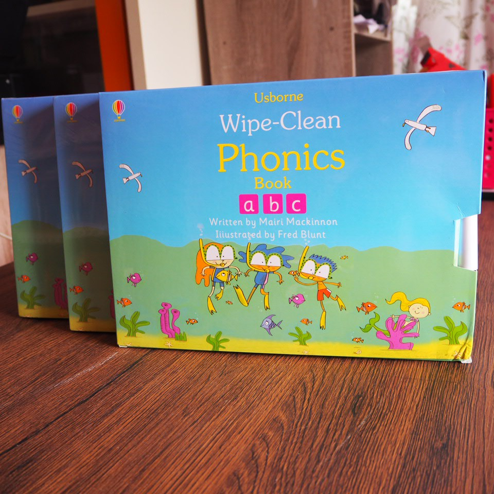 Usborne Wipe-Clean Phonics #4 Books
