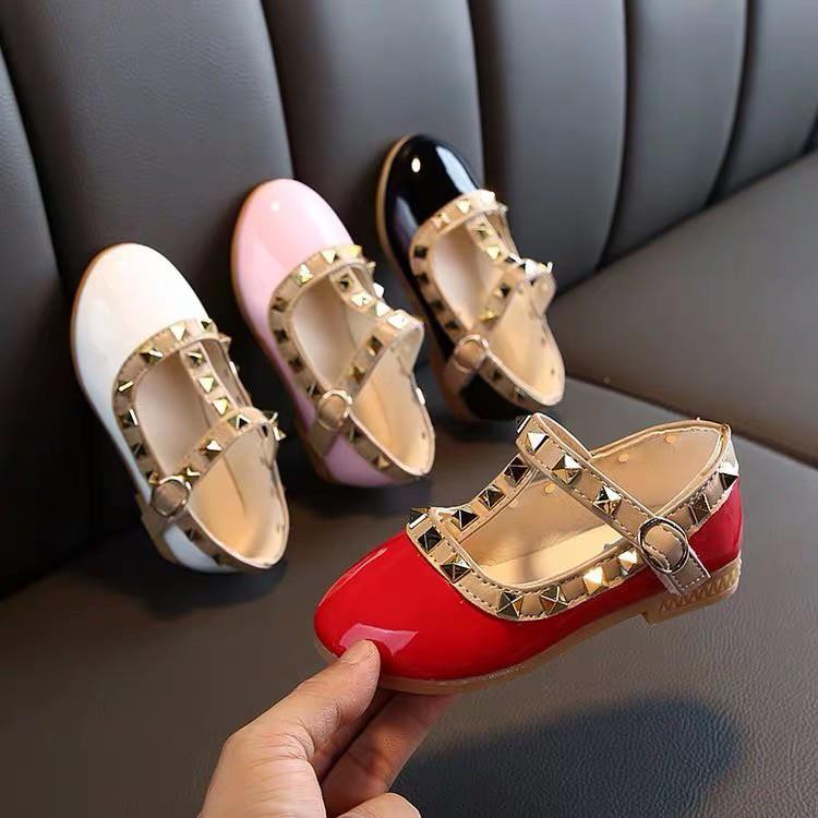 รองเท้าคัชชูแฟชั่นสำหรับเด็กผู้หญิง