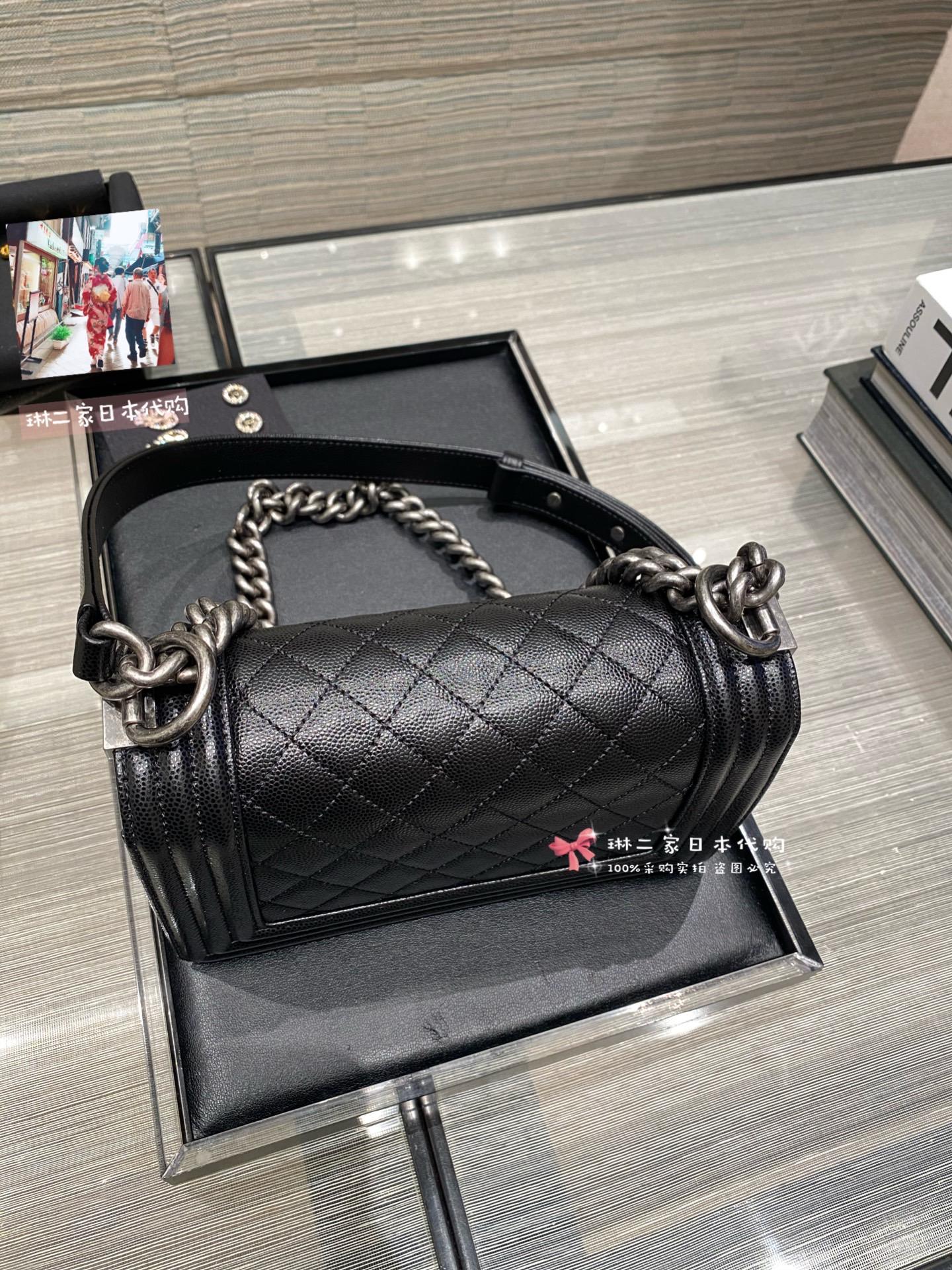 สไตล์ญี่ปุ่นซื้อจดหมายโดยตรงchanel ชาแนลboy ขนาดเล็ก สีดำและสีเงินlogo ห่วงโซ่กระเป๋าสะพายกระเป๋า Messenger