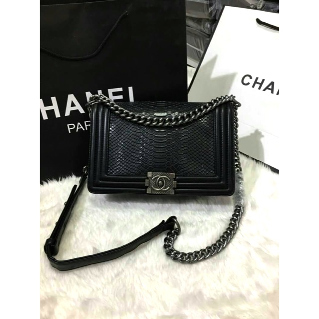 """กระเป๋า Chanel Boy หนังงู 10"""""""