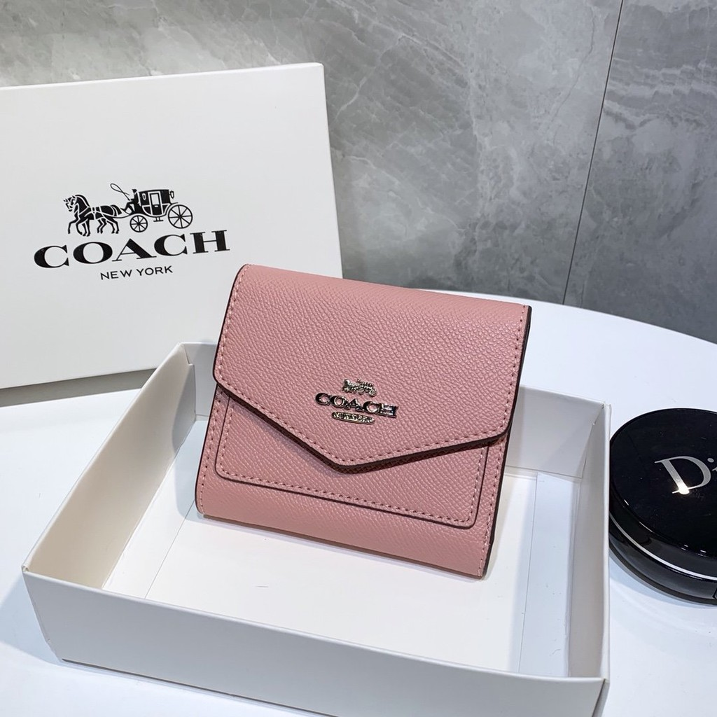 Coach กระเป๋าสตางค์ใบสั้นแบบสามพับ